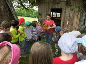Die Kinder waren sehr interessiert und hörten aufmerksam zu